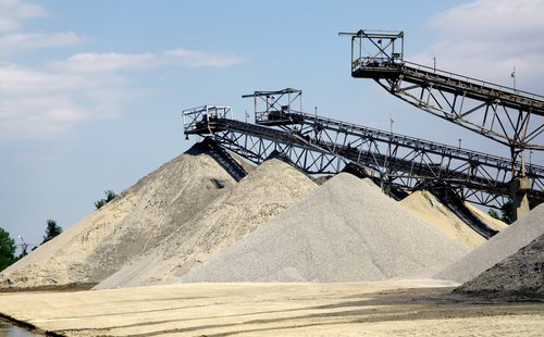 sand mining pic (1)