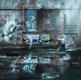 Social distancing and The Good Samaritan: pixabay.com/photos/walls-urban-reflection-dirty-3197310/