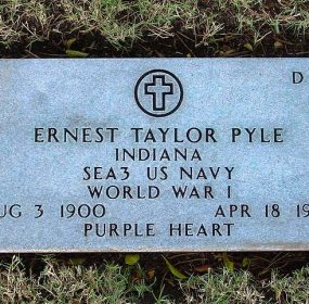 Ernie Pyle gravesite in Hawaii credit Cumulus Cloud Wikipedia Commons