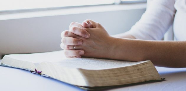 Prayer-Image by reenablack from Pixabay