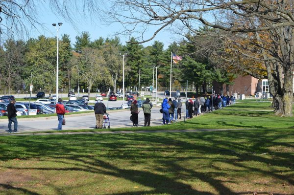Election Day 2020: Baltimore County voters patiently wait their turn outside Pikesville Sr. High School. (Anthony C. Hayes/BPE)