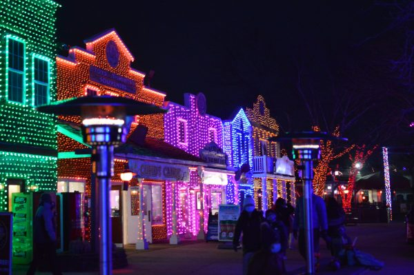 Holiday lights at Six Flags Holiday in the Park. (credit Anthony C. Hayes/BPE)