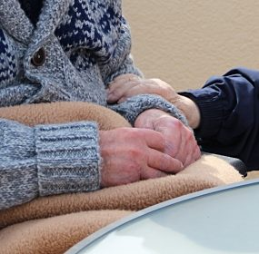 Care for Our Seniors Act: Image by Gundula Vogel from Pixabay