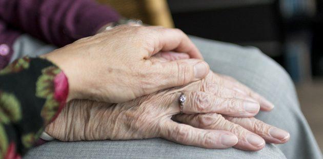 mothers hands (Image by Sabine van Erp from Pixabay)