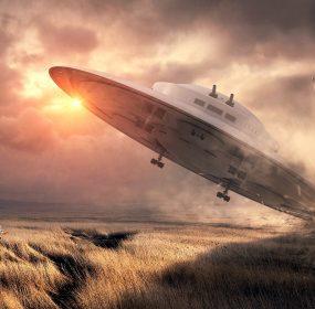 UFOs in Wartime: fantasy art: Image by Stefan Keller from Pixabay