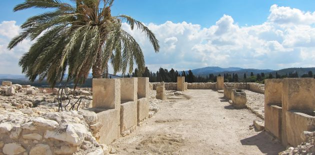 Middle East: The ancient horse stable of Megiddo. Image by Jim Black from Pixabay