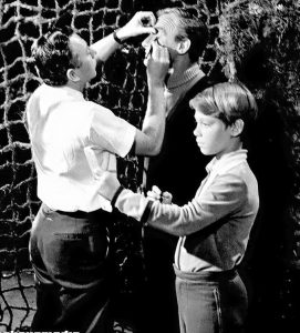 Lost (And Found) in Space behind the scenes shot:Makeup artist Werner Keppler touches up Jonathan Harris' eyeliner while Bill Mumy checks his hair
