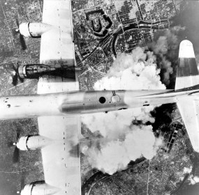 Boeing_B-29A-45-BN_Superfortress_44-61784_6_BG_24_BS_-_Incendiary_Journey