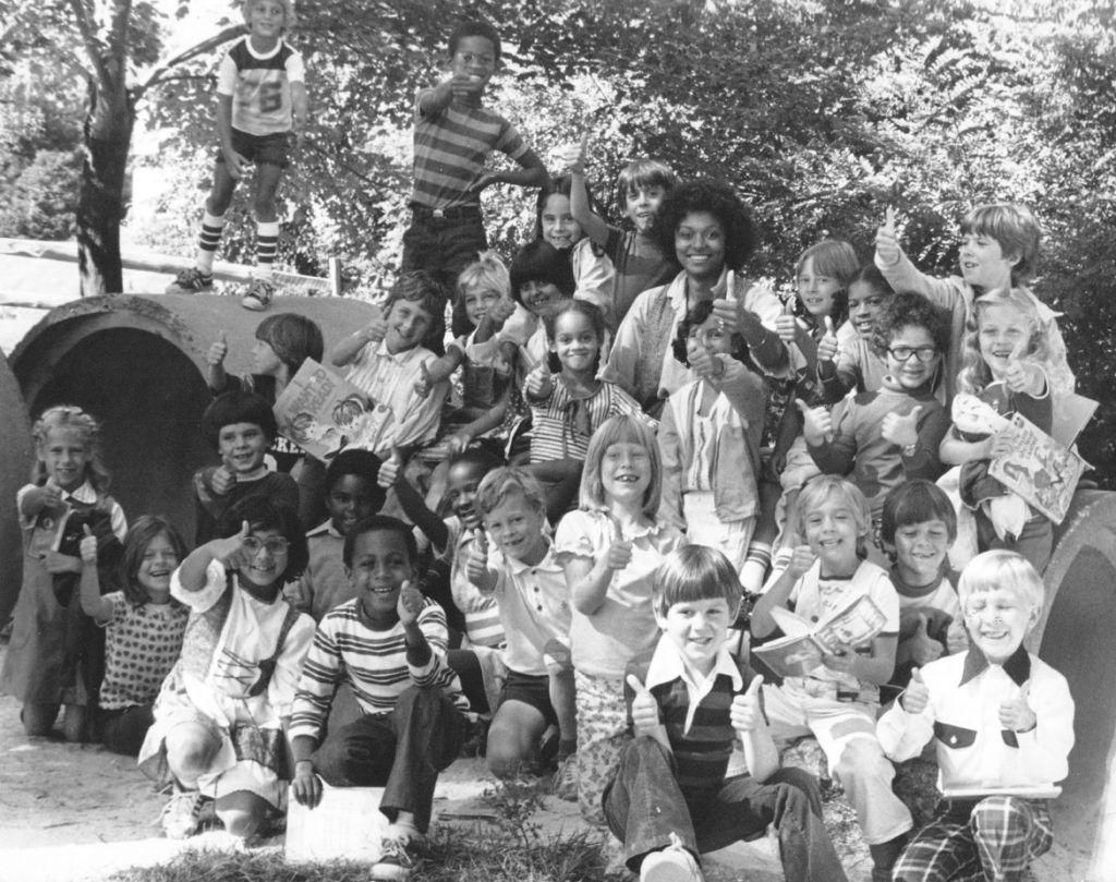 A class from Bryant Woods Elementary School in the early days of Columbia. Fern Eisner photo courtesy of Columbia Archives.