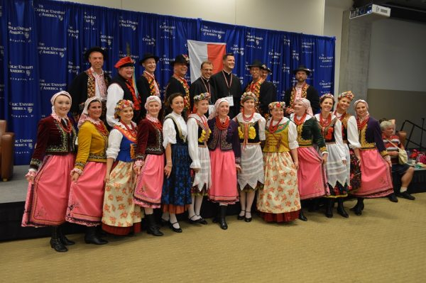 Baltimore's Ojczyzna Polish Dancers entertained at Kraków in the Capital.