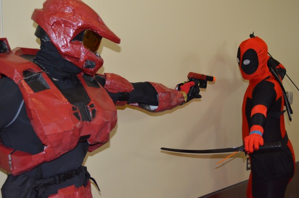 Mel Diaz and Stephen Peller asquare off as Master Cheif and Deadpool. (Anthony C. Hayes)