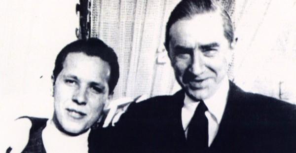Conrad-Brooks-with-Bela-Lugosi-600x310.j