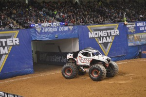 Cynthia Gauthier's Monster Mutt Dalmation won the donut competition by spinning in circles.