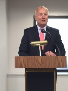 Franchot speaks to Baltimore's Jewish Council. (Bryan Renbaum)