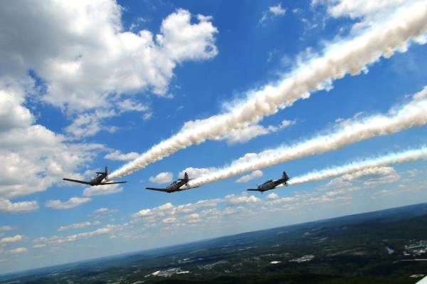 The GEICO Skytypers over Reading, Pennsylvania. (Anthony C. Hayes)