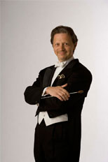 Pops conductor Jack Everly leads the BSO. (Peter Throm Management)
