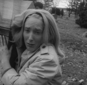 Judith O'Dea clutching grave in Night of the Living Dead.