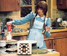 Louise Lasser as Mary Hartman. (screenshot)