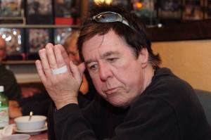 Joe Nawrozki dines with fellow reporters at the Aging Newspapermens Club. (Jim Burger)