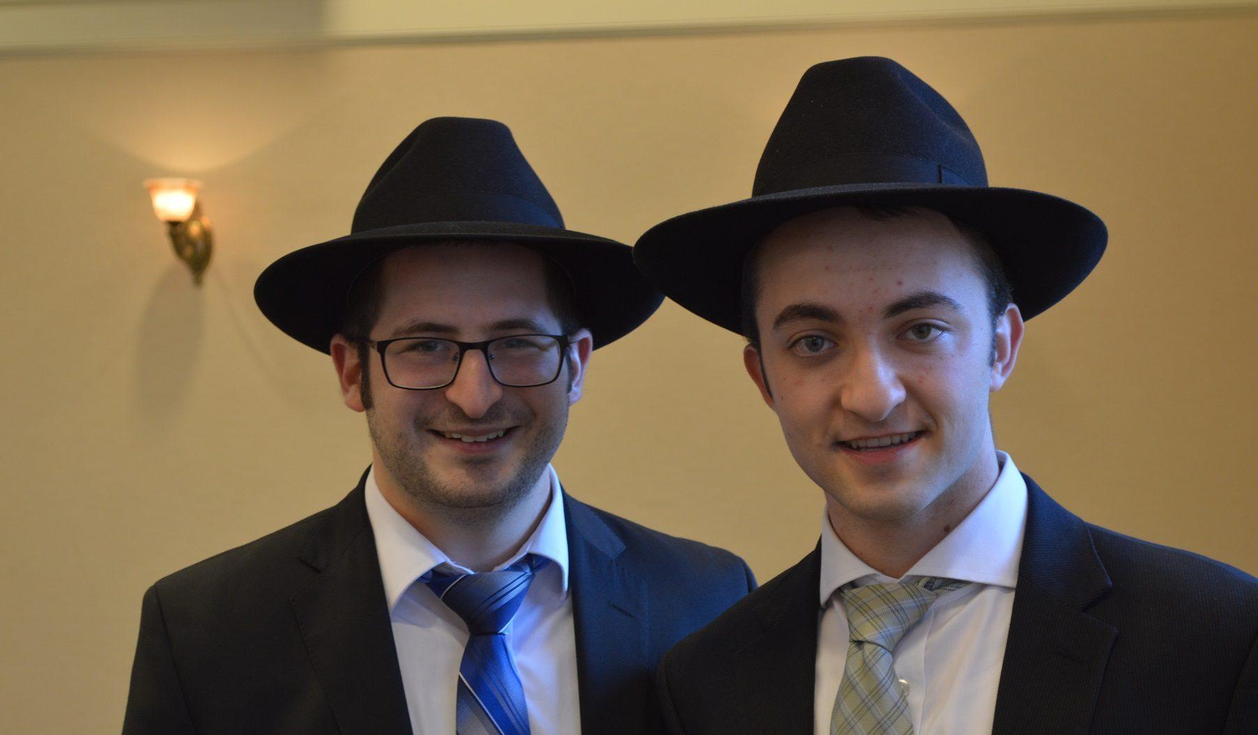 Kol Nidre unites retirees, rabbinic students in prayer