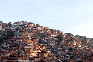 Slums like this hillside barrio just outside Caracas forms the basis of voter support for Venezuelan President Nicolás Maduro, a disciple of the late Hugo Chávez. (Larry Luxner)