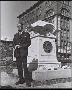 Vincent Price at Poe's grave. (courtesy Jeff Jerome)