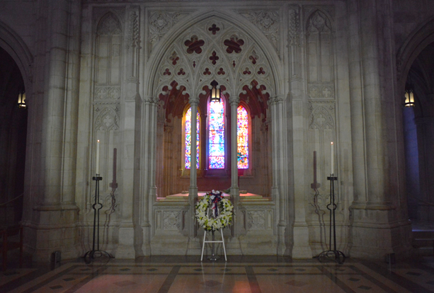 WWI wreath at tomb of Woodrow Wilson. Armistice Day Nov. 11, 2018 at Washington National Cathedral. (Anthony C. Hayes.