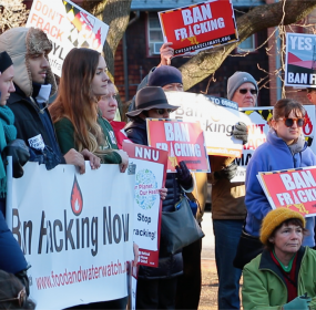 Opponents of hydraulic fracturing (fracking) for natural gas rally in Annapolis on Dec. 20 outside hearing of the Joint Administrative, Executive and Legislative Review Committee.