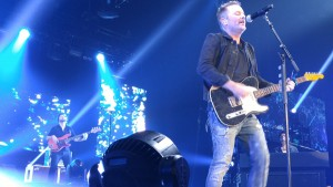 Chris Tomlin used Twitter to interact with fans during his concert at Royal Farms Arena. (Costa Swanson)